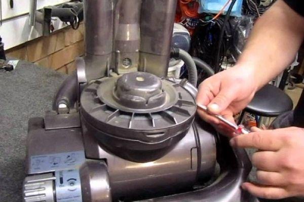 Bảo trì, bảo dưỡng máy hút bụi công nghiệp định kỳ