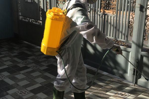 Phun thuốc khử trùng, sát khuẩn phòng bệnh tại Đà Nẵng