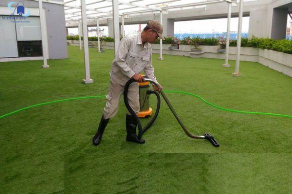 Những mẹo vệ sinh cỏ nhân tạo hay nhất 2020 cho bạn