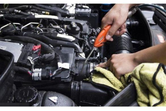 Quy trình vệ sinh khoang máy ô tô đầy đủ nhất