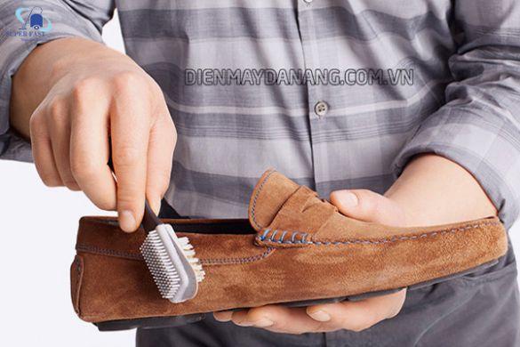 Cách vệ sinh giày da lộn bị mốc cực kỳ đơn giản