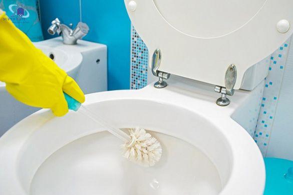 Top 8 dụng cụ nhà vệ sinh luôn phải có trong phòng toilet